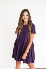 Purple shift dress, pearl headband, LSU, Louisiana State, Kansas State, TCU, Texas Christian, Northwestern, game day outfit, game day dress, tailgate dress, tailgate outfit, purple dress, LSU dress, TCU dress, Kansas State dress, SEC, Big 12, Big Ten, style your senses