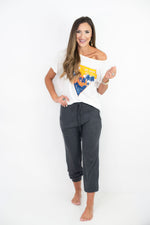 joggers, mom style, track pants, cozy fleece, fall style, style your senses, jodifl, graphic tee