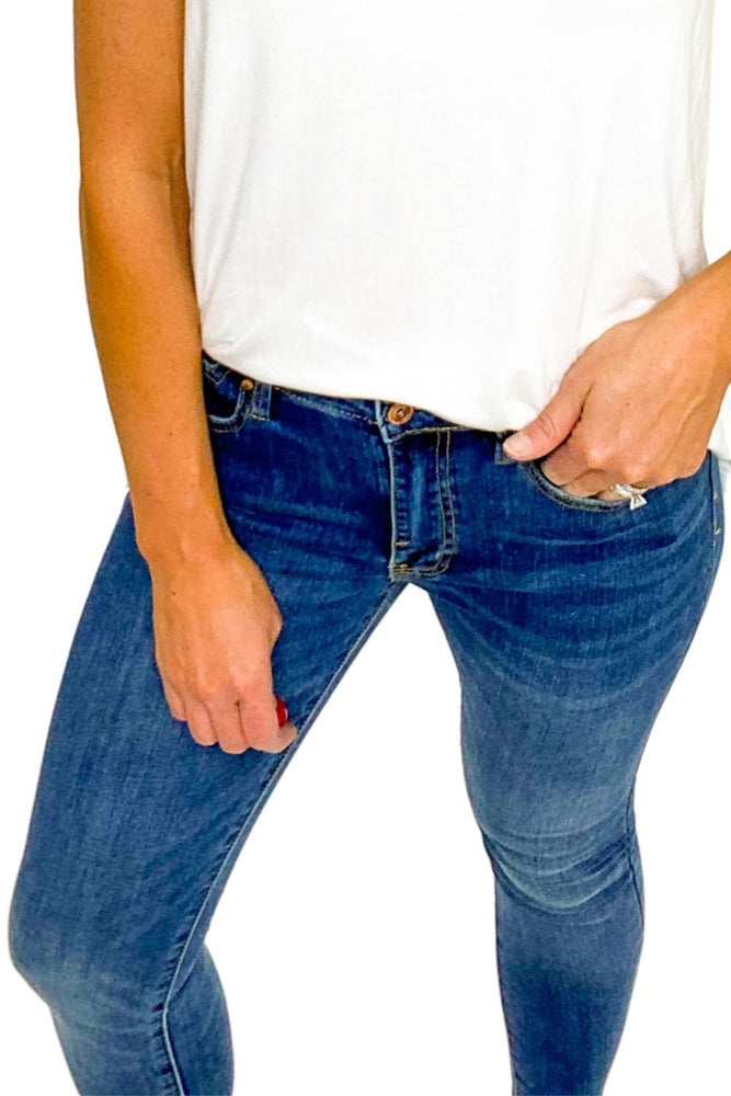 Load image into Gallery viewer, Medium Wash Skinny Jean
