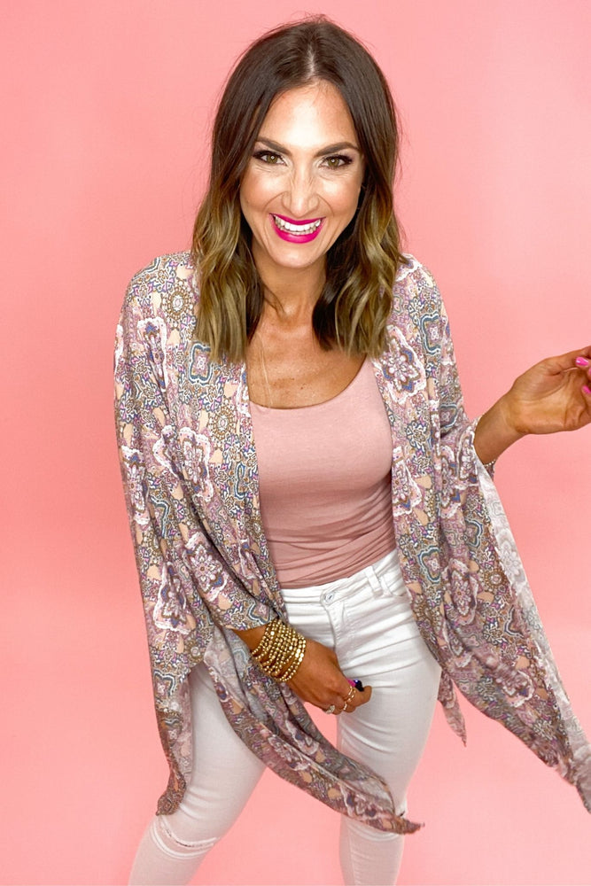 pink floral kimono, white skinny jeans, spring trends, shop style your senses by mallory fitzsimmons