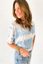 blue abstract tie dye short sleeve top, distressed jeans, spring tops, affordable trends, shop style your senses by mallory fitzsimmons