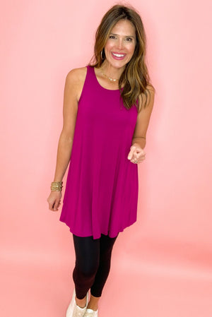 magenta tunic tank, black leggings, stylish athleisure, spring tops, fashion basics, shop style your senses by mallory fitzsimmons