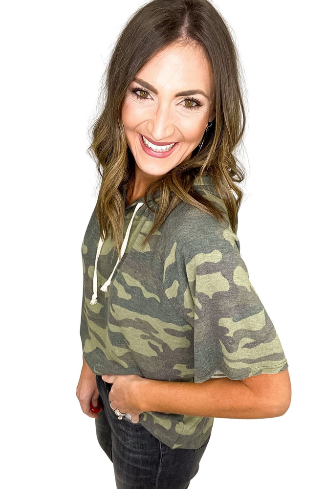 camo-short-sleeve-hooded-top-spring-outfits-new-arrivals-mom-style-shop-style-your-senses-by-mallory-fitzsimmons  Edit alt text
