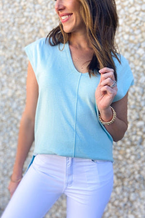 mint v neck cap sleeve top w/ front seam, white skinny jeans, spring tops, shop style your senses by Mallory Fitzsimmons