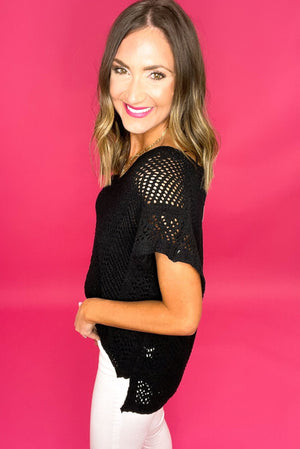 black crochet v neck top, white skinny jeans, summer trends, fashion forward, shop style your senses by mallory fitzsimmons