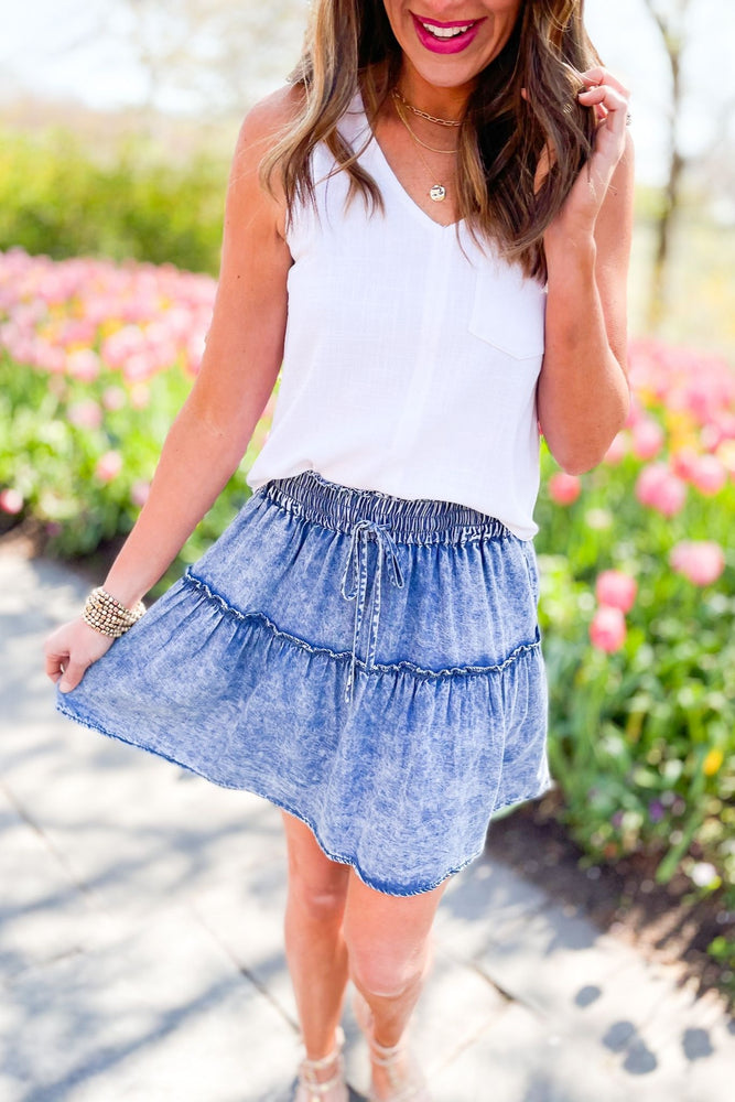 tiered chambray skirt, abloom collection, easy to wear, trendy outfits, mom style, shop style your senses by mallory fitzsimmons