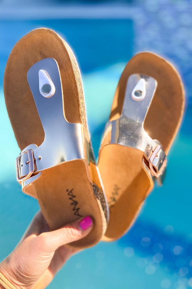 Load image into Gallery viewer, Metallic Rose Gold Flip Flop Sandal