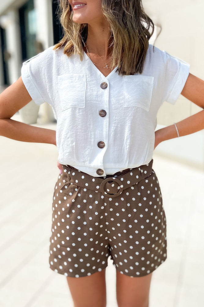 ivory button front roll tab v neck top, mocha dot shorts, spring outfits, shop style your senses by mallory Fitzsimmons