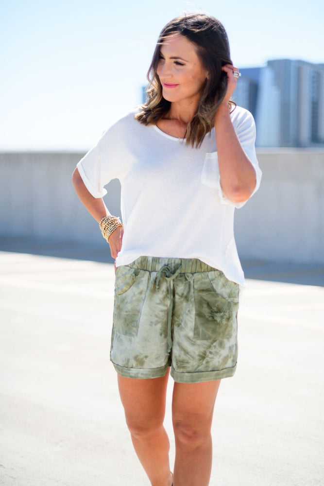 light olive tie dye shorts, white scoop neck top, easy to wear, spring outfit inspiration, shop style your senses by mallory fitzsimmons