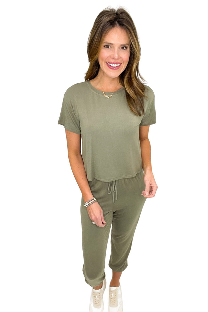 olive super soft pant and tee loungewear set, cozy style, affordable style, shop style your senses by mallory fitzsimmons
