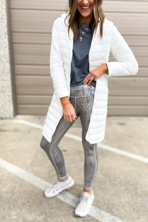 Load image into Gallery viewer, Silver Scale Print Leggings