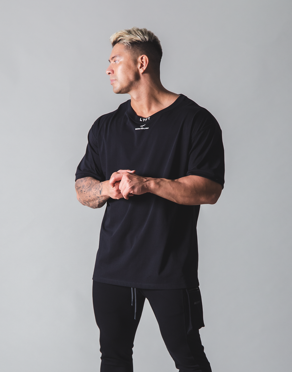 LÝFT Neck Logo Big T-shirt - Black