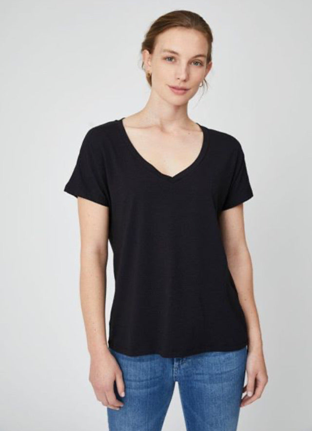 Vee Neck T-Shirt Black