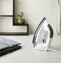 Load image into Gallery viewer, Usha EI 1602 Dry Iron  (White)