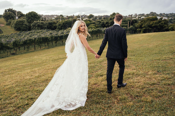 Courtney & Carl: Goldie Estate, Waiheke Island