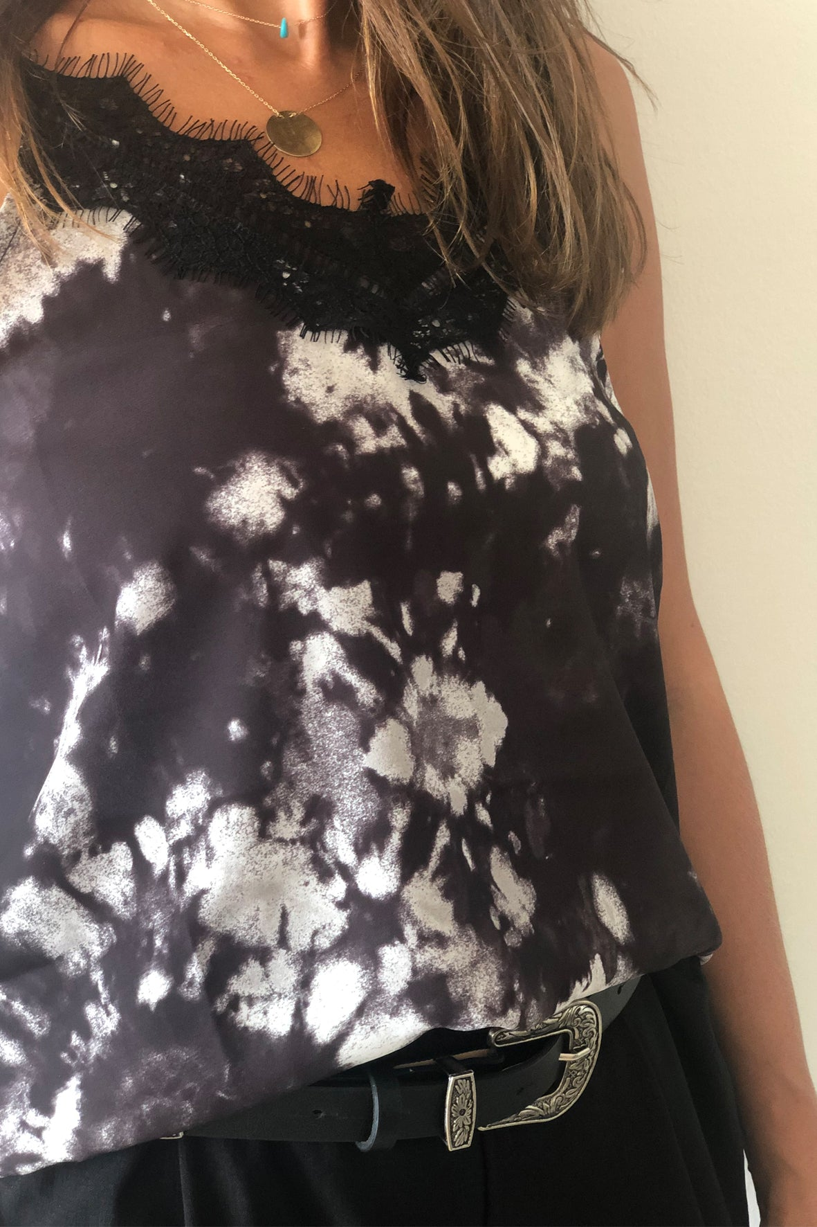 Tie Dye strap blouse with black lace collar