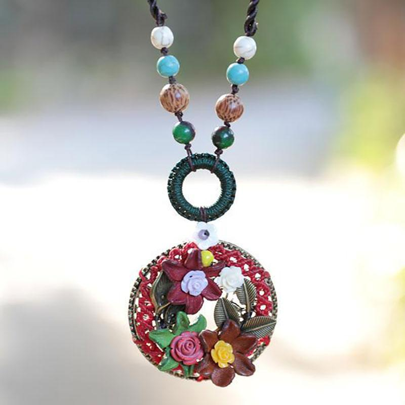 Ethnic Rope Chain Flowers Trim Round Pendant Necklace - Buykud