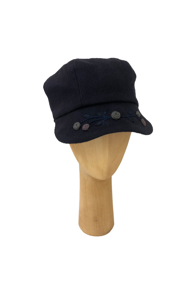 Bordado Cap Qiviuk & Cashmere in Blue made by Qiviuk Boutique