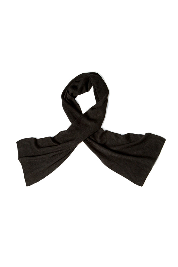Qiviuk Gigi scarf in black by Qiviuk Boutique