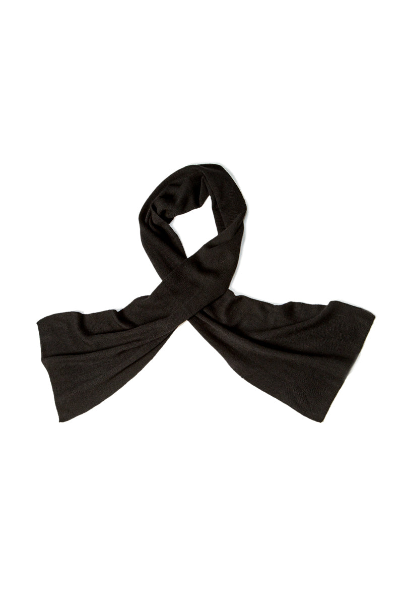 Qiviuk Gigi unisex scarf in black by Qiviuk Boutique