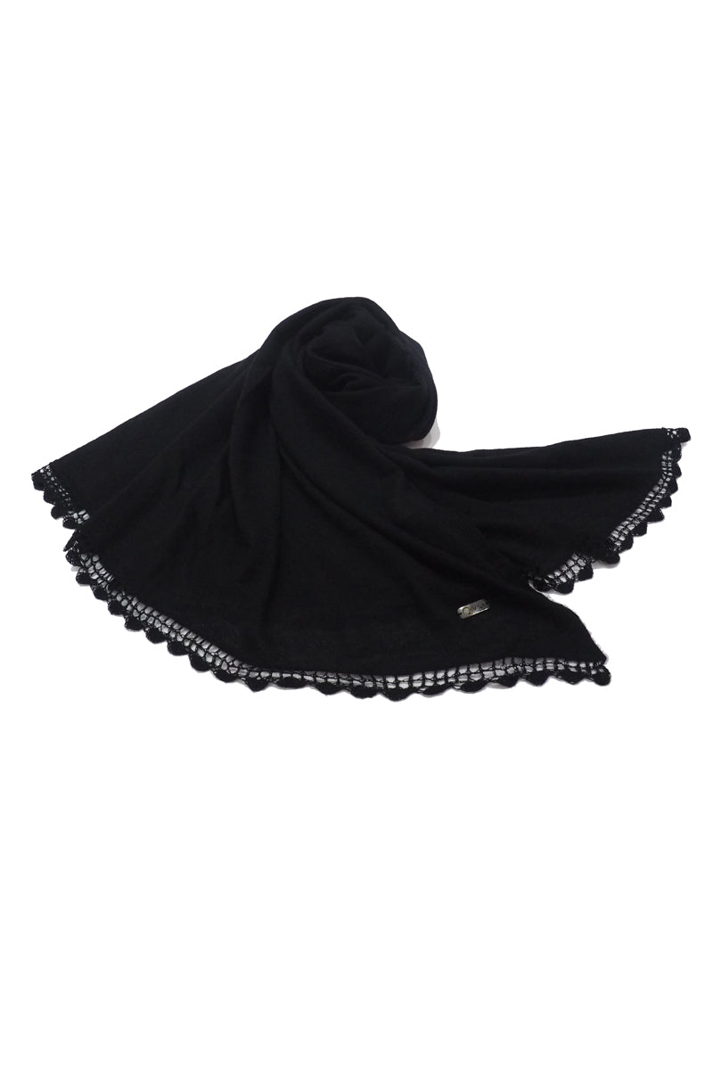 Qiviuk Finito shawl in black by Qiviuk Boutique