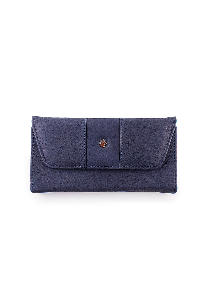 Muskox leather ladies wallet carmin in blue by Qiviuk Boutique