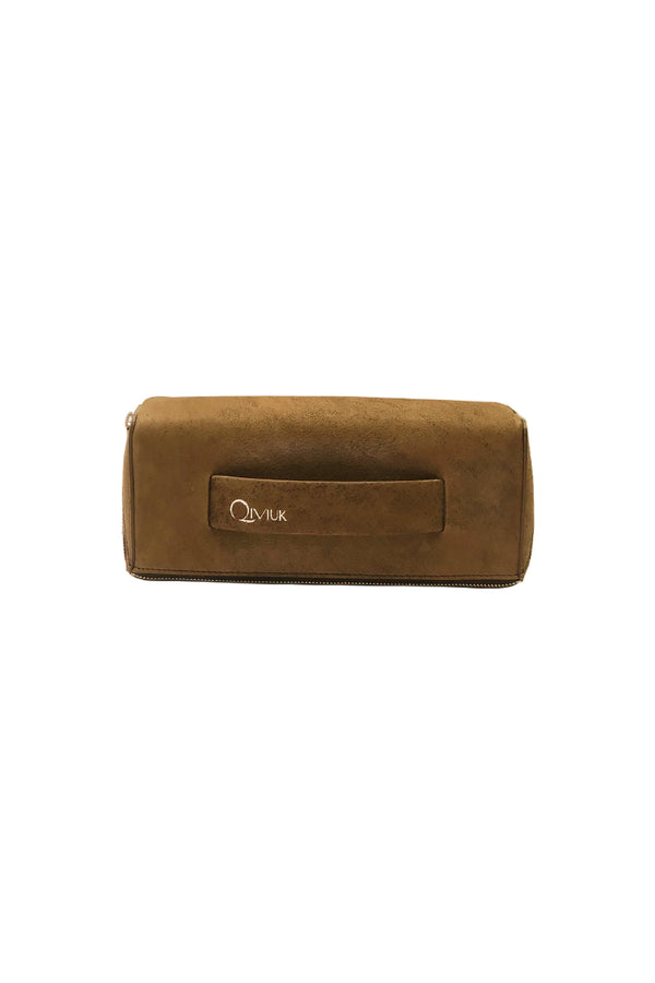 Muskox leather Le Feuillet Toiletry bag in brown