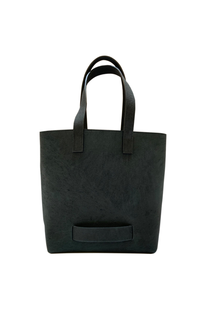 Muskox leather Medium Tote bag in Black by Le Feuillet for Qiviuk Boutique