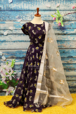 Kids half saree lehenga,latest indian designer wear,indian lehenga,Half Saree,party wear,indian teens dress,ruffle sleeve dress