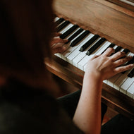 Private Online Piano Lessons with Loralee Vince