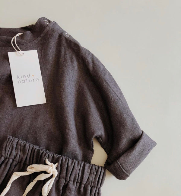 The Koa Linen Top in Charcoal