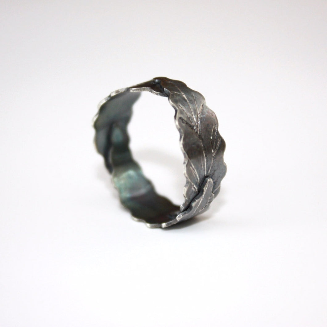 Three Leaves Oxidized Ring