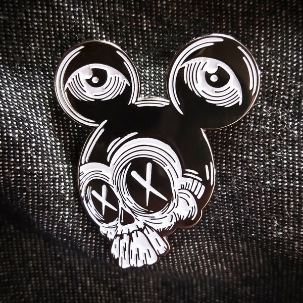 Manic Mouse Enamel Pin