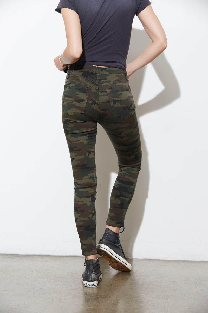 Victoria High Waist Skinny Pant in Drab Camo