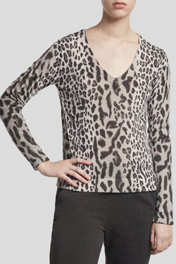 V-Neck Sweater in Silver Leopard Print