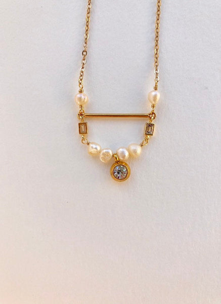 Dorothy - pearl and crystal necklace, dainty, simple, delicate
