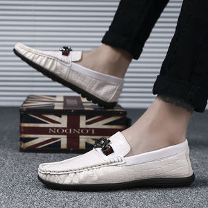 Big Size Metal Button Crocodile Leather Casual Shoes