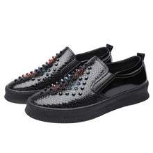 Rivet Thick-bottomed Antiskid Men's Casual Shoes
