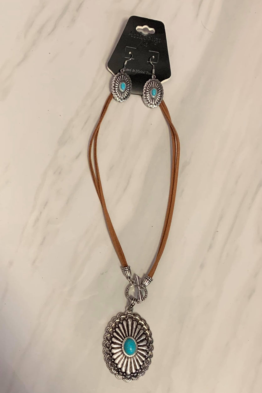 Western Turquoise Pendant Necklace