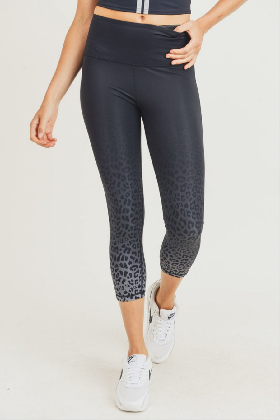 """Party Time"" Ombre Leopard Highwaist Capri Leggings"