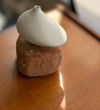 Load image into Gallery viewer, Tapio Wirkkala Porcelain Pollo vase for Studio-line Rosenthal