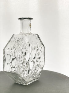Stella Polaris: decorative bottle/vase 1720 designed by Nanny Still