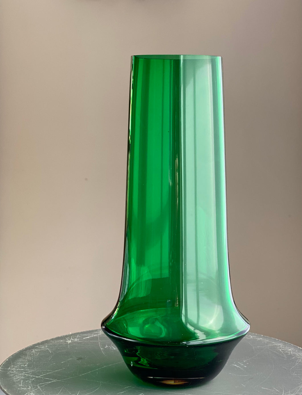 Tamara Aladin Riihimäen Lasi Vase Catalogue number 1378 vase 1960s 70s green glass.