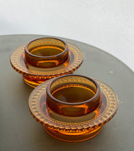 Load image into Gallery viewer, Nuutajarvi Notsjo tea light holders designed by Oiva Toikka