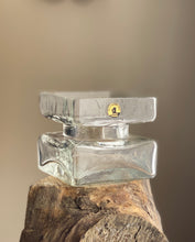 Load image into Gallery viewer, Riihimaki Helena Tynell Glass Pala Vase with original label.