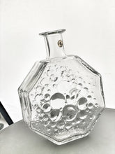 Load image into Gallery viewer, Stella Polaris: decorative bottle/vase 1720 designed by Nanny Still