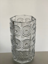 Load image into Gallery viewer, A Tamara Aladin Rengas (Ring) pattern seven-sided vase in flint designed for Riihimaki in 1971