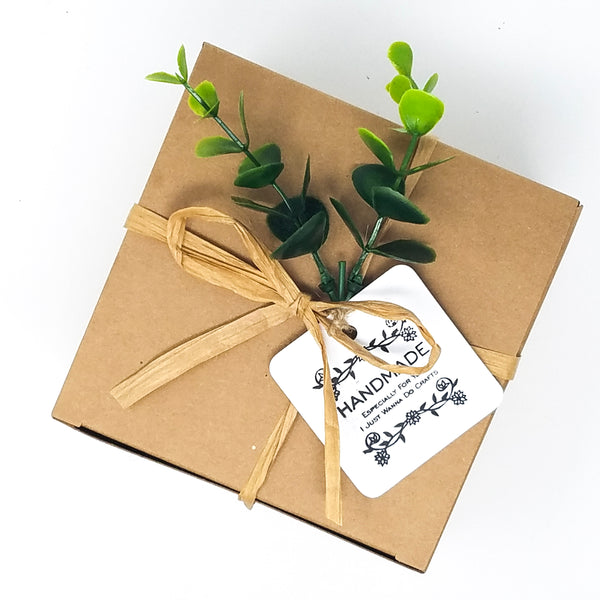 Kraft-Gift-Box-with-boxwood