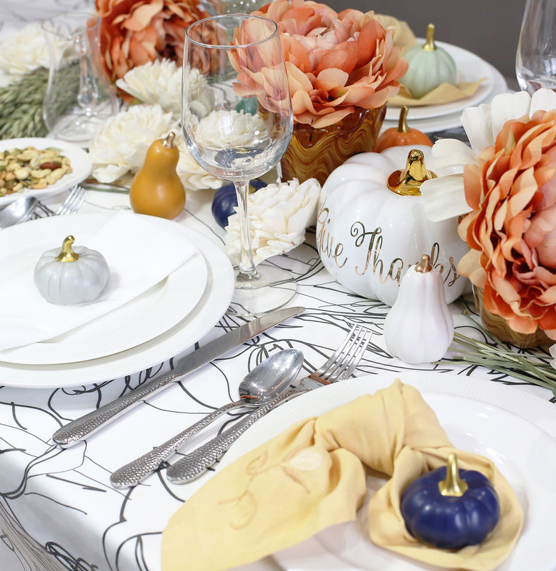 A MISMATCHED, LOVELY THANKSGIVING TABLE SETTING IDEA