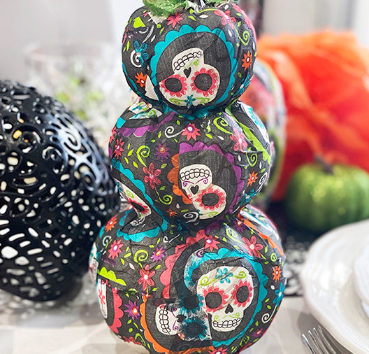 DIY: DAY OF THE DEATH PUMPKIN DECORATING WITH NAPKINS
